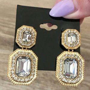Jewelry - Elegant drop gold crystal embellished earrings NEW